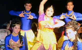 Bollywood Group Stars at Festival