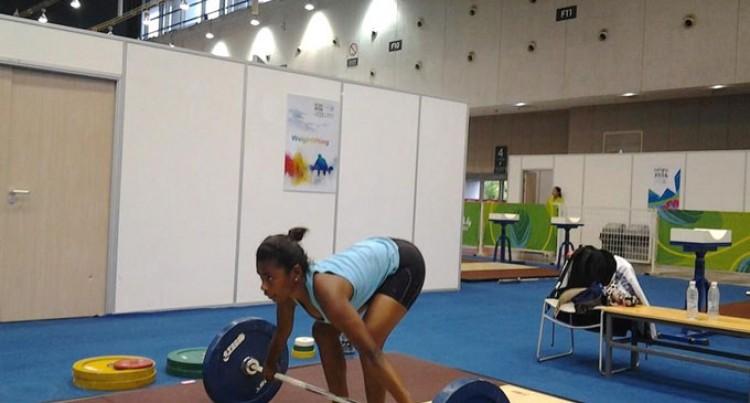 Fijian Weightlifters Hard At Work