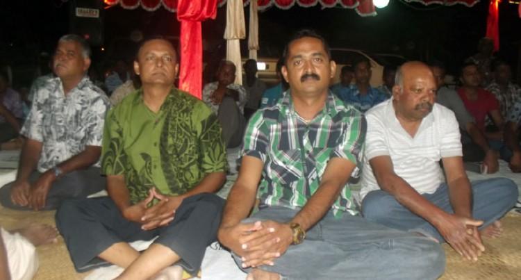 Hindu Devotees Pray For Soldiers