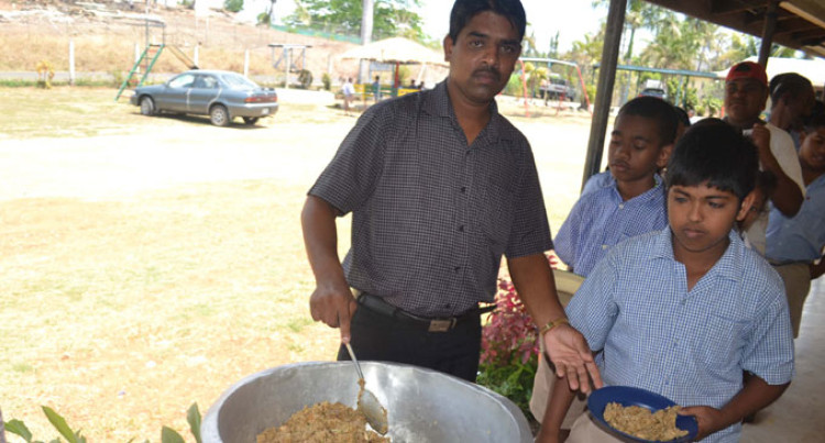 Club Provides Special Lunch