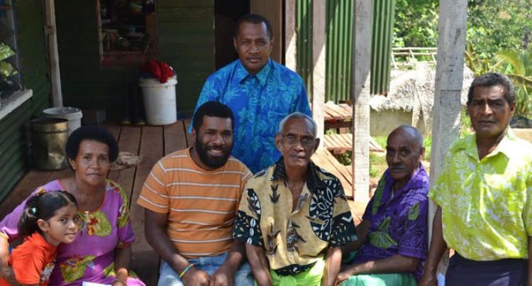Vuinaqalutu Villagers Cast Their Votes