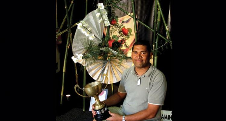 Naidike Tops In Floral Comp