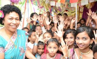Society Prepares For Diwali