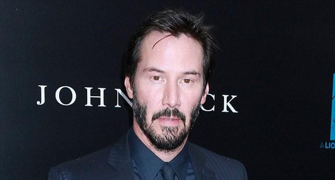 Keanu Reeves Saw Ghosts As A Kid?