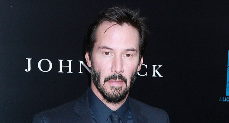 Keanu Reeves Saw Ghosts As A Kid?
