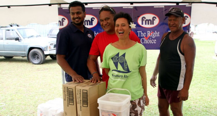 Fijian Businesses Donate