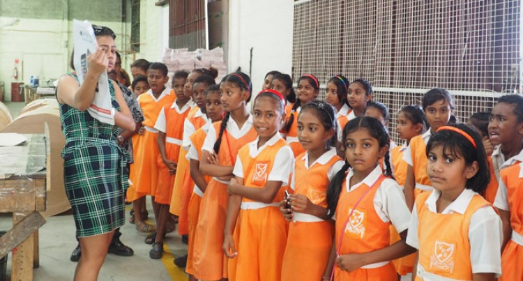 Students Visit Fiji Sun