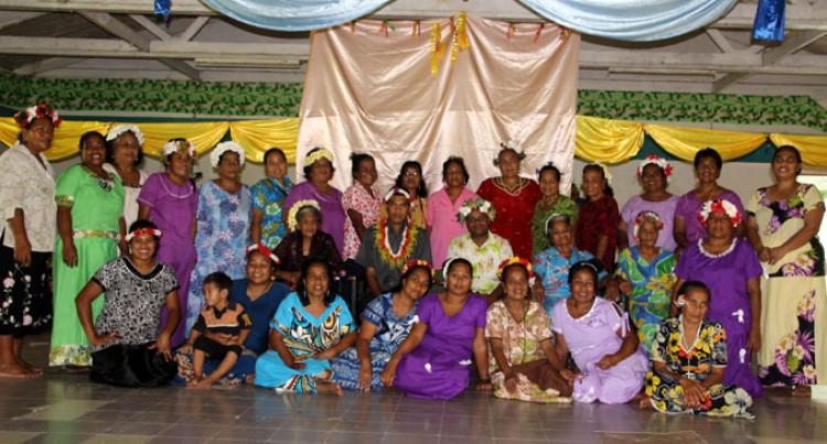 Cakau Women Show Off Skills