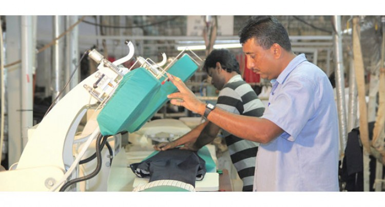 Garment Makers Combine To Push Into Australia