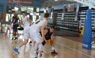 Aussie Men Still Unbeaten