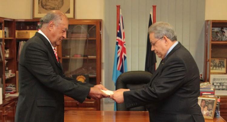Venezuela Envoy Presents Credentials To President