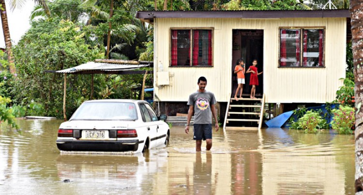 Downpour Causes  Floods At Vusuya, Narere