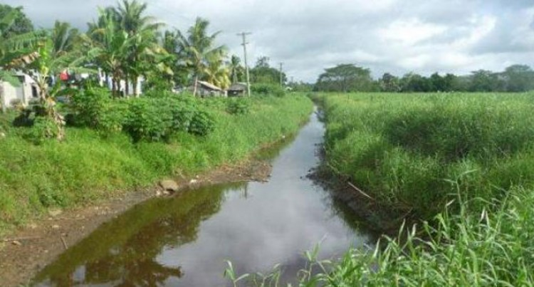 Serua And Namosi In Anti-Dengue Clean Up
