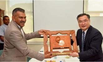 Koya Talks Trade With Ambassador