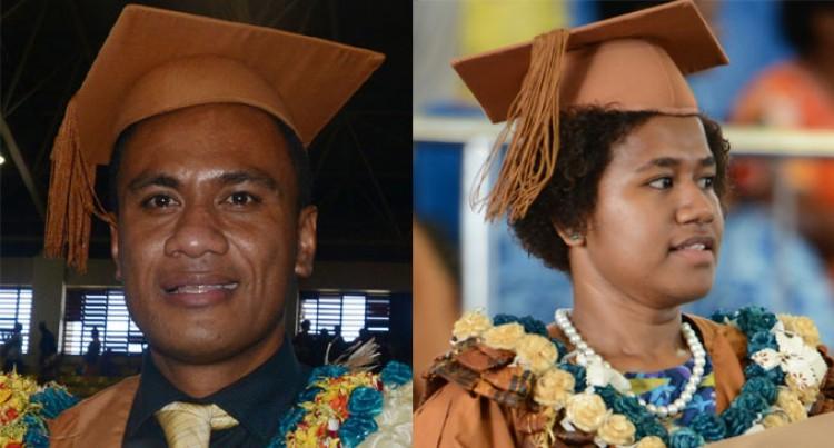 Graduates Loga, Kuini Thank Family