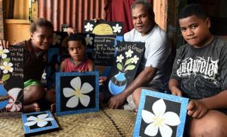 Jone Ledua Carves For Family