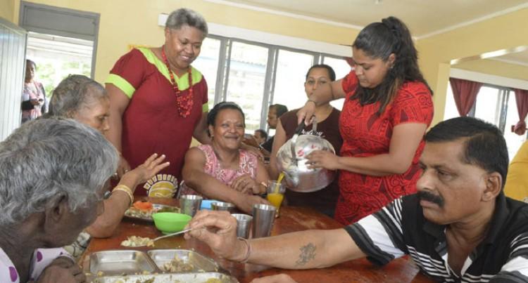 Fiji Sun Team Treats Home Residents