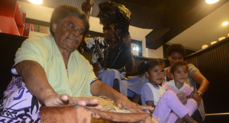 Minister Applauds Fijian 'Living Treasure'