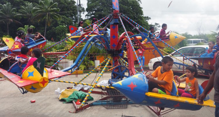 Shoppers Rush To Carnival