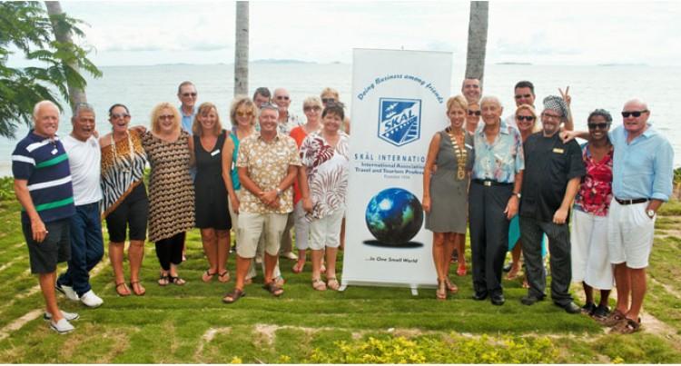 SKAL Helps Pam-hit Vanuatu