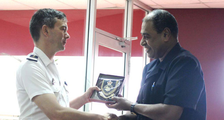 French Navy Officers Visit Fijian Police
