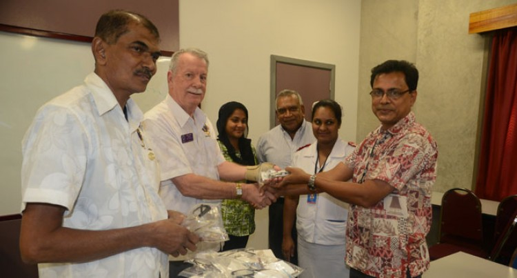 Lions Club Gives Eyeglasses