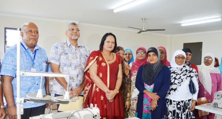 Underprivileged Women Helped By Muslim Centre