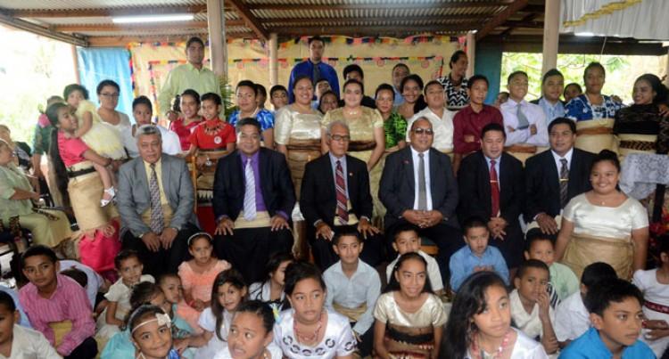 Fiji Tongans Greet Pohiva