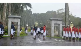 Tourists Witness Change Of Guard