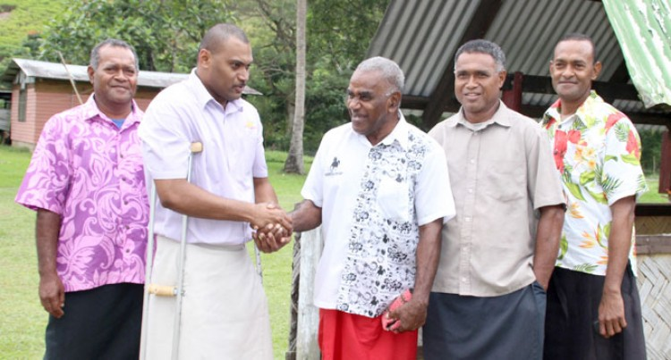 Minister Praises Group's Work