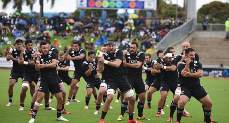 Maori All Blacks Pip Fiji