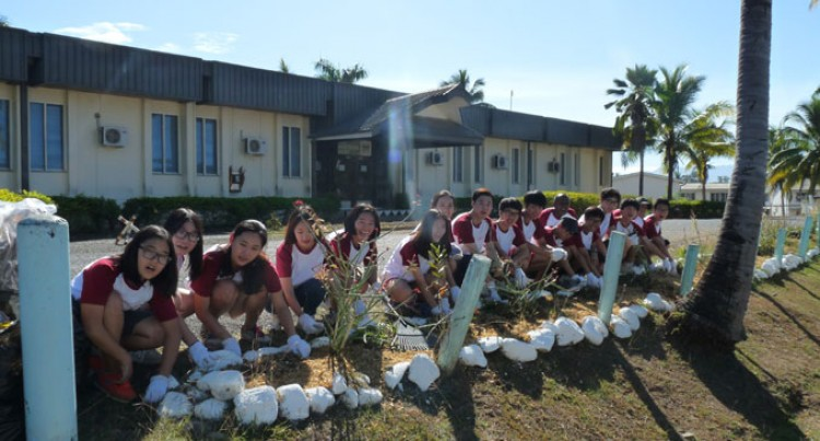 Korean Students Clean Up Nadi Police Station