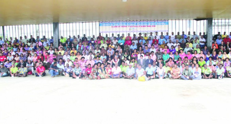 1082 More Fijians to Receive Grants