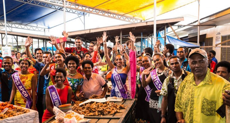 'Royalty' Visit At Suva Market