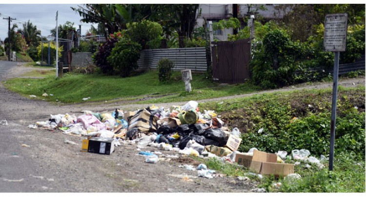 Rubbish on Nasinu Roads