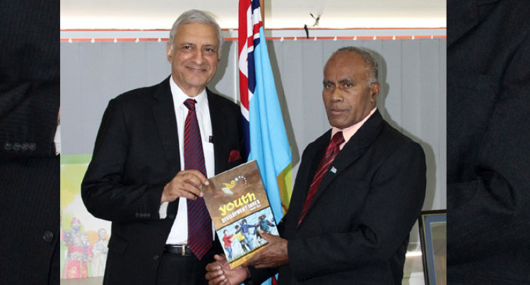 Commonwealth Secretary-General Pleased With Youth Meeting