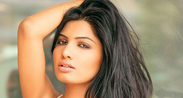 Avani Modi Makes Her Debut In 'Calendar Girls'