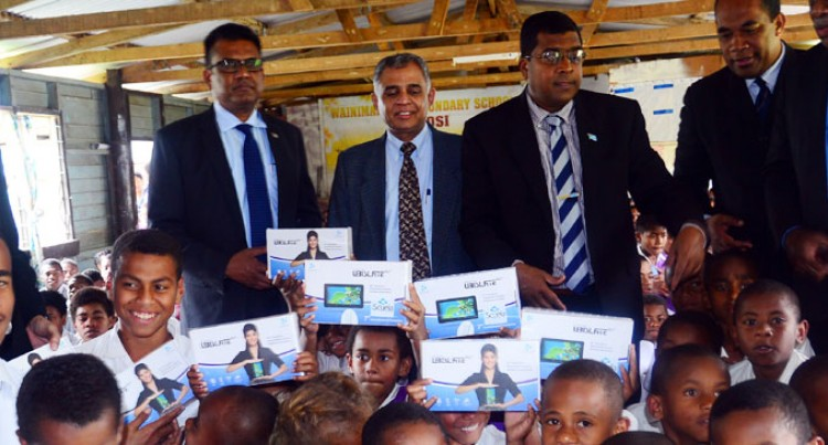 Namosi Students Receive Tablets