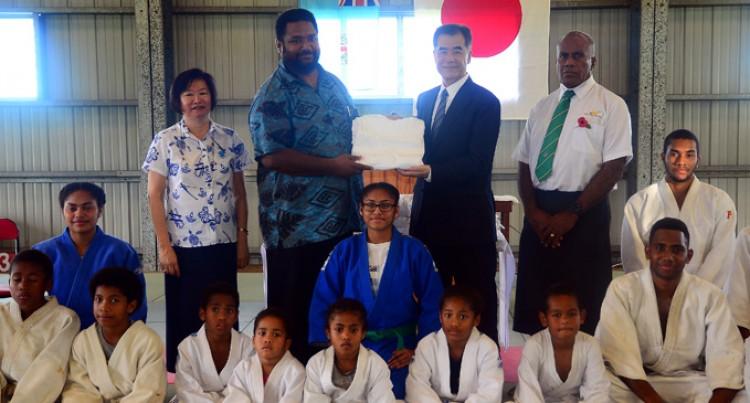 Fiji Judo Receive New Uniforms