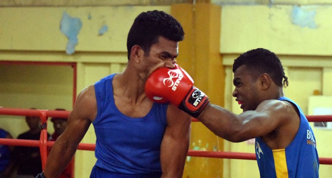 Boxers Prepare For Tahiti