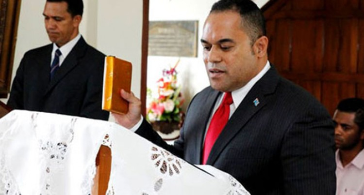Waqabaca presents credentials in NZ