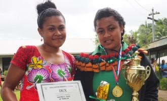 Naomi Receives Dux Award