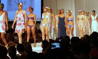Minister Praises Fashion Designers