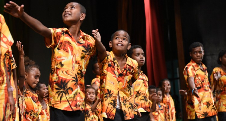Nauluvatu children tune  in to Christmas fever
