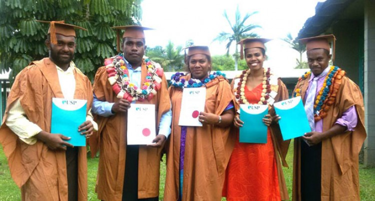 Five Fijians Graduate In Samoa