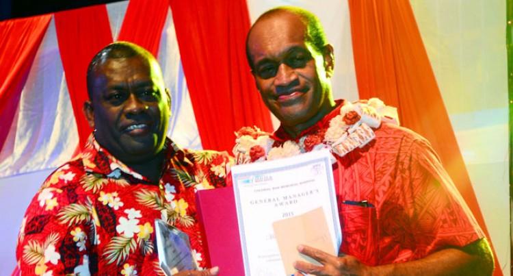 Nagalele Bags Outstanding Workers Award