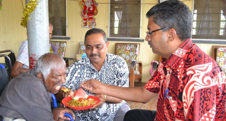 Baroda Staff Spend Xmas With Elderly