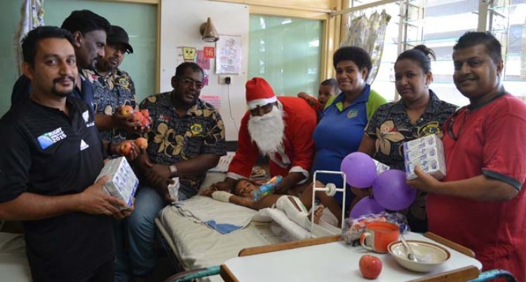 Patients Get X-mas Treat