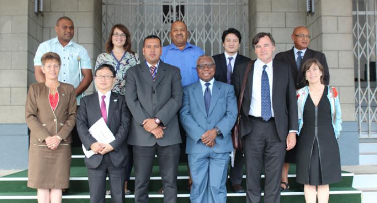 Standing Committee Meets ILO Team