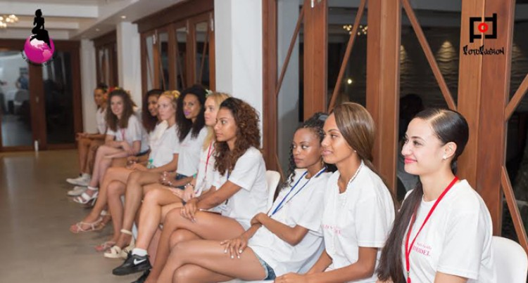 WORLD SUPERMODEL SOUTH PACIFIC BEGINS